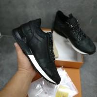 Sepatu pria Louis vuitton sneakers grade original