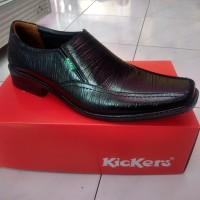 Sepatu pantofel pria kerja formal hitam simple sol karet tidak licin