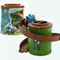 Mainan Thomas Adventure Spiral Tower With Thomas Diesel Thomas