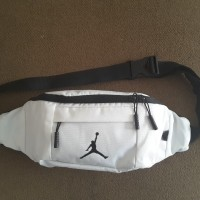 f5393df55559 Air Jordan Waistbag   Crossbody Bag White (9A0092 001)