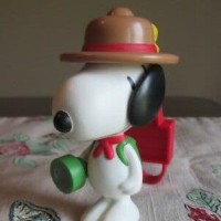 Happy Meal MCD Snoopy's World- Beagle Scout Light Up Torch