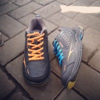Sepatu badminton RS superliga 804