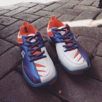 Sepatu badminton RS sirkuit 575