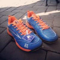 Sepatu badminton RS JF 702