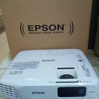 PROYEKTOR EPSON EB-X24.