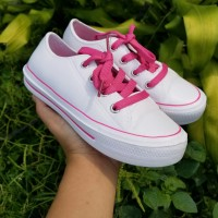 Sepatu Anak Tali Pink