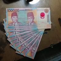 Uang kuno 100000 plastik atau polymer 1999