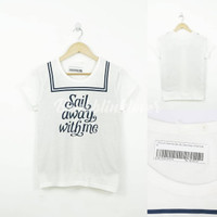 """Sail Away With Me"" T-Shirt Putih"