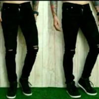 Celana jeans sobek lutut pria ripped jeans softjeans hitam