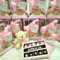 souvenir cokelat ulang tahun Trulychoco aprilia 16 paket