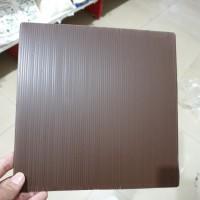 Tatakan Cokelat/ Tatakan Kue Persegi 22 cm