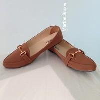 brown key flat shoes A17