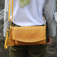Sling and Clutch Pullup Julia Yellow Motif - Kenes Leather