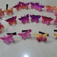 Jepit rambut kupu kupu