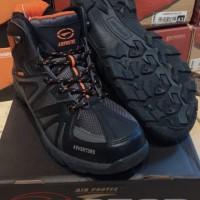 Sepatu Gunung Hiking Air Protec Adventure
