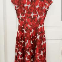 Dress minimal red flower (s)