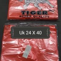 "Kresek-Kantong Plastik HDPE merah merk ""TIGER"" 24x40 (300 gram)"