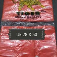 """Kresek-Kantong Plastik HD merah merk """"TIGER"""" ukuran 28 x 50 (400 gram)"""