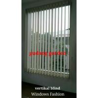 Gorden Kantor Vertical Blind Warna Cream