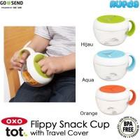 Oxo Tot Flippy Snack Cup dengan Travel Cover Wadah Makanan Anak