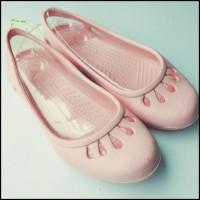 f423847f6ac8c Hot Sale Sepatu Karet / Slip On / Sepatu Crocs Malindi / Sepatu Sandal