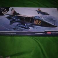 pesawat M-27 flogger D modelkit academy