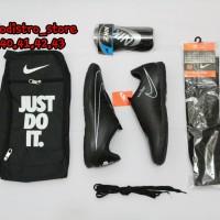 Paket komplit sepatu futsal bonus kaos kaki deker dan tas