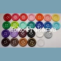 Kancing Plastik Besar Warna Warni diameter 3 cm