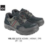 Sepatu Semi Boot Kasual Pria - VRL 03