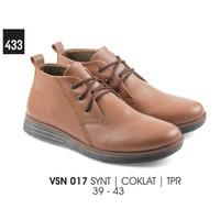 Sepatu Semi Boot Kasual Pria - VSN 017