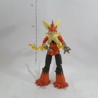 Figure Mega Blaziken 10cm Pokeball Figure Pokemon Figure Pikachu