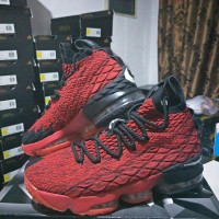 Sepatu Basket Nike Lebron 15 university red - Lebron James 15 red -