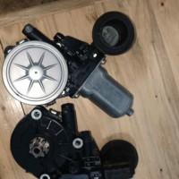 motor power window yaris kanan 85702 Odo40