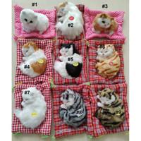 Boneka Kucing Pajangan Meja Tidur atau Duduk Bersuara Meow