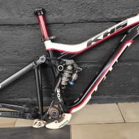 frame sepeda khs dh300 tahun 2012 size m