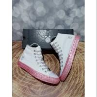 Jual Converse Pride X Miley Cyrus High Polkadot White Multicolor Premium DKI Jakarta peweeshop | Tokopedia