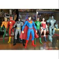 Mainan hobi action figure dc comic justice league batman superman marv