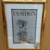 Bingkai /frame foto Motif 12R ukuran 30x40cm warna: gold,silver,
