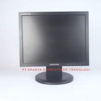 monitor lcd Samsung sync master 540N 15 inch kotak