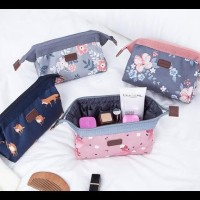 Weekeight Charming Water Resistant Cosmetic Cube Pouch Ver 2 / Tas -
