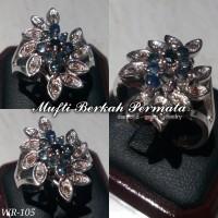 Cincin Emas Putih Blue Sapphire dan Berlian Eropa WR105