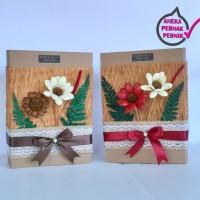Kotak Kado Cantik Hias Bunga Kering Kerajinan tangan.