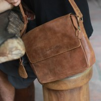 Tas Selempang Kulit Emilo Havana Crack -Kenes Leather