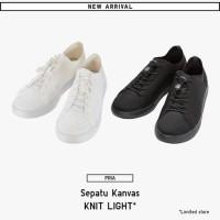 SALE!! Sepatu Kanvas UNIQLO Original Black & White! Sepatu UNIQLO ORI