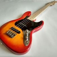 Gitar Bass Listri Fender Jazz warna cerry murah