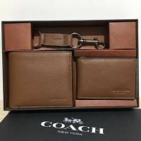 dompet cowok merek coach