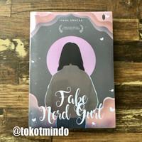 Novel FAKE NERD GURL (Ivana Vrncaa)