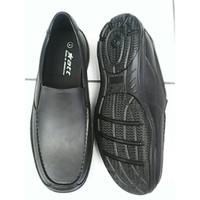 Sepatu Pantofel Sepatu Karet Anti Air Hujan ATT
