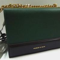 PreLoved Handbag Charles & Keith, kondisi baru, barang HADIAH (kado)