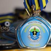 Medali Akrilik Resin bening ( High Quality ) untuk sekolah dan lomba